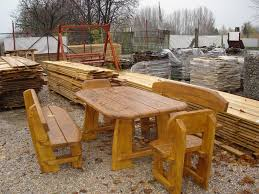 Free Outdoor Garden Bench Plans by Daily Woodworking