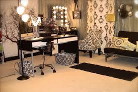 Kim Kardashian New Home Decor Makeup Storage 11352