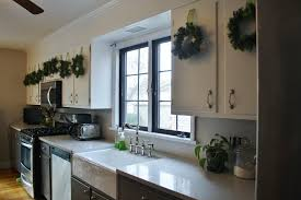 how to do crown molding on kitchen cabinets kitchen diy crown molding on a soffit park and division