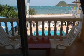 chambre piscine vue de la chambre second étage piscine la mer ร ป