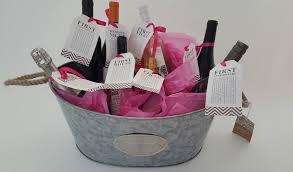 Basket Gift Ideas Good Bridal Shower Gift Ideas Inexpensive Bridal Shower Gift