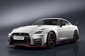 nissan gtr back seat nissan u0027s 600hp gt r nismo is back boasting both power and luxury