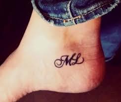 mer enn 25 bra ideer om initial tattoos på pinterest