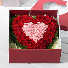 in gift 100 roses in heart shaped gift box