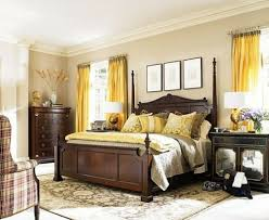 ambiance de chambre chambre à coucher jaune rideaux ambiance chambre la chambre à