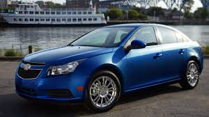 nissan versa vs chevy cruze 6 reasons why you should by a 2013 chevy cruze mccluskey chevrolet