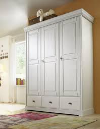 Schlafzimmer Schrank Und Kommode Kleiderschrank Weis Antik Cool Schlafzimmer Bild Antik Barock