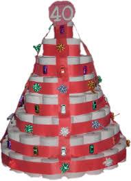 hochzeitstorte aus klopapierrollen die klopapiertorte mit gedicht als geschenk