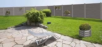 par vue de jardin cache vue de jardin brise vue vegetale pour terrasse closdestreilles