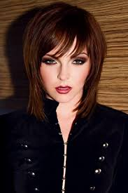 how to grow out layered women s hair into bob i think i need some bangs while i m growing out love them with