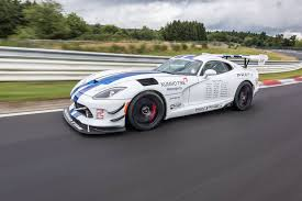 wheels dodge viper gts r 2017 dodge viper gts r does 7 03 4 nurburgring with one