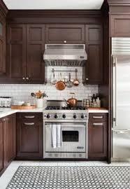 repeindre ses meubles de cuisine en bois relooking d une cuisine en bois avant après nos projets