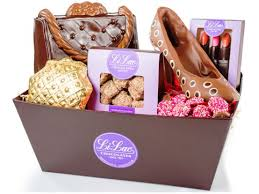 gourmet chocolate fashion gift basket 2 9 lbs li lac chocolates