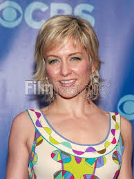 amy carlson hairstyles on blue bloods blue bloods actress amy carlson attends the 2011 cbs upfront at