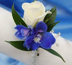 blue boutonniere white sweetheart and delphinium boutonniere blue