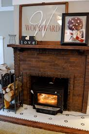 Cleaning Bricks On Fireplace by Cleaning A Brick Fireplace Newlywoodwards