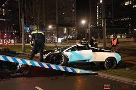 crashed lamborghini knäckebröd jon olsson lambo crasht in rotterdam autoblog nl