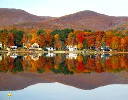 Massachusetts lakes images History and attractions lanesborough massachusetts JPG