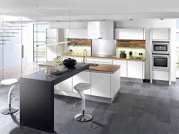 idee cuisine design mur tableau noir cuisine grise kitchen cuisine