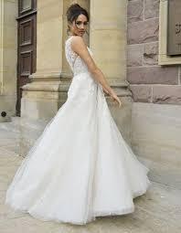 Wedding Dress Designer Meghan Markle Has Wedding Dress Designer Giles Deacon On Stand By