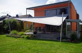 sonnensegel befestigung balkon aufrollbare sonnensegel hohmann sonnenschutz