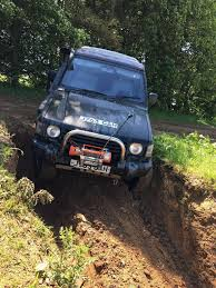mitsubishi outlander off road mitsubishi pajero shogun swb 2 5 td off road 4x4 road legal motd