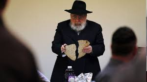 hat thief the republican haggadah passover 101 what are the four questions kiro tv