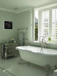 different types of bathtubs