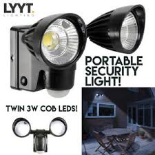battery powered security light outdoor dual 3w led bright pir security flood light wall mount