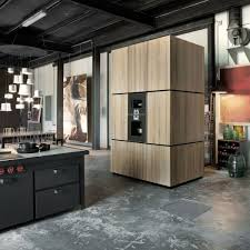 milan loft layout requires black metal to the following level