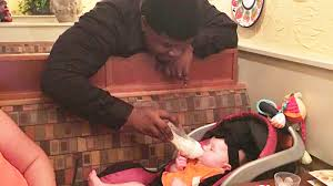 Olive Garden Family Style Kind Olive Garden Waiter Steps In To Help Baby Leaving New Mom In