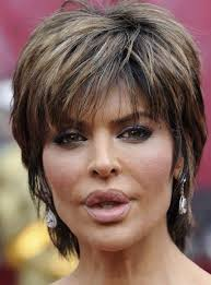 latest trend short layered straight lisa rinna hairstyle capless
