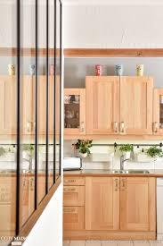 cuisine maison bois cuisine contemporaine avec meubles en bois et verrière d intérieur