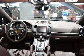 porsche dashboard 2015 porsche cayenne dashboard at the paris motor show 2014