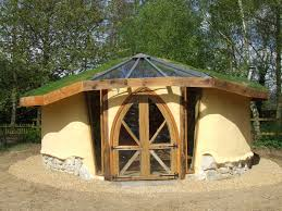 cob and strawbale studio designed and built by kate edwards of