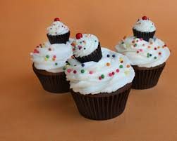 cupcakes on cupcakes cupcake cupcake peanut butter cups and big