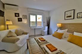 chambres d hotes carry le rouet bed and breakfast les chambres d carry le rouet booking com