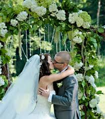 wedding arch grapevine and justin s diy wedding our grape vine wedding arch