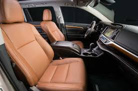 Saddle Interior 2017 Toyota Highlander 8 Things To Know Motor Trend