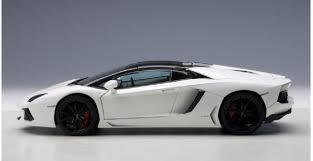 lamborghini aventador lp700 4 white autoart 74696 lamborghini aventador lp 700 4 roadster bianco