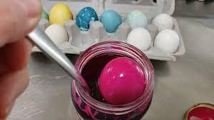 we tested pinterest u0027s natural easter egg dye recipes lifehacker