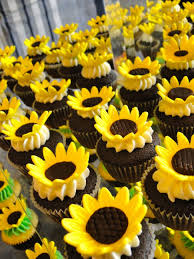 sunflower centerpieces floor 27 sunflower decorations sunflowers 1000 images about