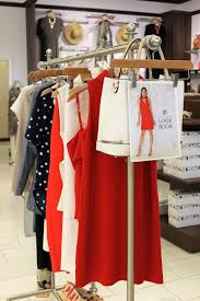 versona black friday checking out spring style at versona jk style