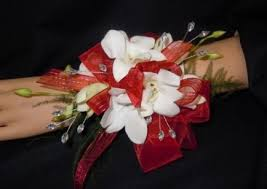 chesters flowers 95 best wristlets images on prom flowers prom corsage
