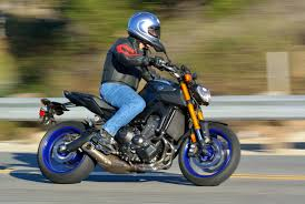 2014 yamaha fz 09 md ride review motorcycledaily com