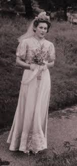 2 wedding dress 1940s wedding dresses photographs wartime wedding fashion