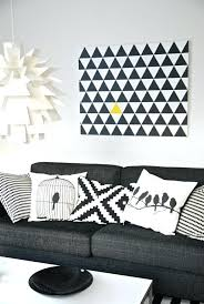 coussin sur canap gris coussin sur canape gris 1 housses de coussins blanc noir pour le