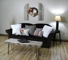 Diy Reclaimed Wood Side Table by Diy Reclaimed Pallet Coffee Table With Metal Legs Wooden Pallet