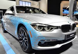 hybrid cars bmw 2016 bmw 330e plug in hybrid can travel up to 22 miles in ev mode