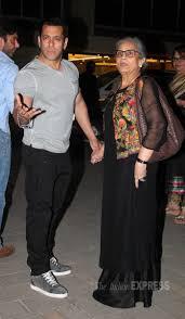 Photos Salman Khan Family Celebrate Mom Salma U0027s Birthday At